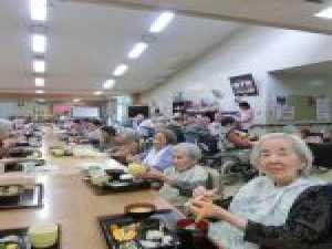 昼食会(*^-^*)